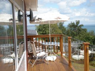 SECURE GATED DETACHED CHALET SEA VIEWS FROM DECK, Teignmouth