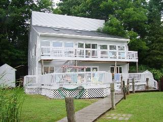 Large Multi-Level Waterfront Home. Sleeps 12. Downtown Douglas steps away! Weekly Saturday to Saturday, Saugatuck
