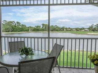 GreenLinks/Lely Condo next to Flamingo & Mustang Golf Courses-Enjoy Lake and Golf Course Lanai Views, Naples