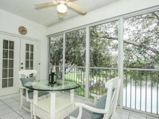 Wiggins Lakes & Preserve-3BR/2BA Coach Home: West of 41, Close to Naples and Bonita Springs Beaches, Napels