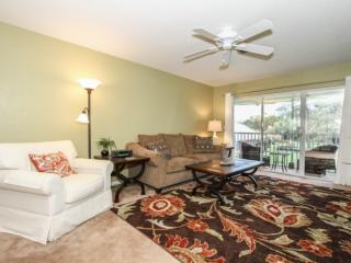 Trafalgar Square at Berkshire Village 2 BR/2 BA Hidden Oasis w/Canal Views from Screened Lanai!, Naples