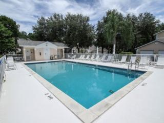 Wiggins Lakes & Preserve- Coach Home: West of 41, Close to Naples and Bonita