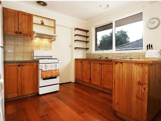 Rent Melbourne 3/43 Box Hill