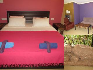 22) Glorious 1 Bedroom Apartment Nagoa, & WiFi, Arpora