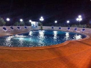 Villa Brigida, splendido trullo con piscina, Monopoli