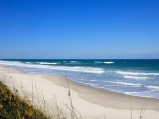 **Booking Discounts for April & May!** Gorgeous 2 Bedroom Cocoa Beach Condo