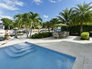 **Ready After Irma** Luxurious Key Largo Family Home with Pool & Large Dock