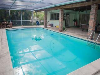 **Winter Promo** Miami Springs Family Home with Pool Just Minutes from South Beach & the Airport