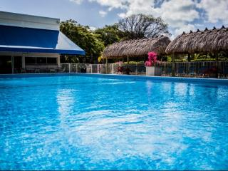 **Fall Promo** Gorgeous, Newly Renovated Executive Bay Condo - Families & Snowbird Welcome!, Islamorada