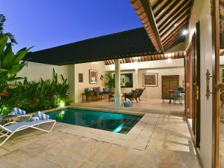 VILLA ATMA 5MINS TO SEMINYAK CENTER