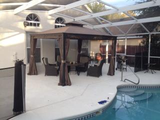 Disney Villa- extra large pool area (south facing), Davenport