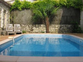 2 Stone houses in village, heated pool 2 private gardens, secluded terrace, wifi