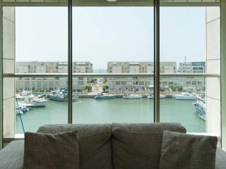 Stunning Holiday 2 bedroom Apt marina herzelya, Herzlia