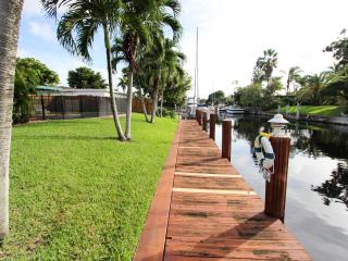 Fresh & Clean Waterfront with private pool, Fort Lauderdale