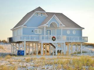 Beachfront 4 BD/4 BA, Come Visit 'Down The Hatch'