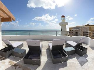 20% REDUCTION!! ENJOY YOUR SPRING BREAK in a 2 bdrm Ocean front (CM305)