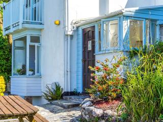 Looe Holiday Rental, Looe Self Catering with Stunning Harbour Views