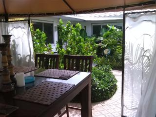 Gorgeous Bamboo Studio, Lauderdale by the Sea