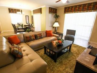 Paradise Palms Retreat in Kissimmee includes WiFi, Gym, and Jacuzzi