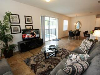 Amazing Bella Vida Condo with Gym, Jacuzzi, and Pool, Kissimmee