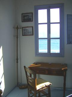 window at the sea