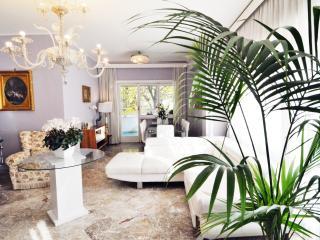 Luxury apartment with separate Studio Vatican Area, Rom