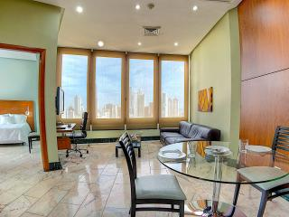 Resort like living, full service (El Cangrejo), Panama City