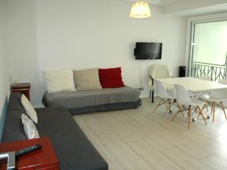 Modern, quiet, luxurious. Apartment by BON MARCHE, Parigi