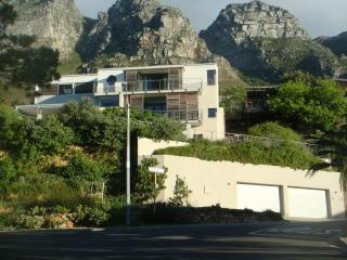 Cape Town's Camps Bay Villa with Sweeping Ocean Views and Mountain Setting, Sleeps 8