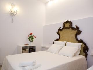 Domènech i Montaner Apartment, Barcelona