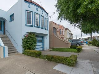Large SFH Works well in a 3 4 or 5 BR setup, San Francisco
