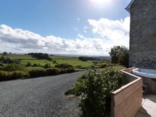 Tref y Nant: Great Views from the Hot Tub -381818, Welshpool