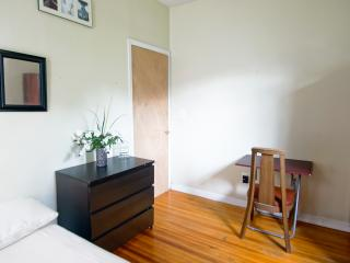 Beautiful Furnished Room, Brooklyn