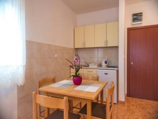 Apartments Ilic - Studio, Bijela