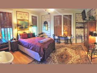 Ellerbeck Mansion Bed & Breakfast (Calm Seas Room), Salt Lake City