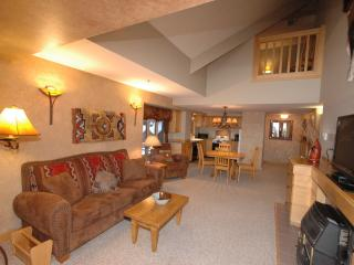 2 Story Luxury Ski in/Ski out Condo in Mtn Village, Big Sky