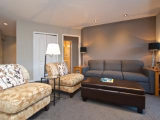 Whistler Village 2 bed, 2 Bath Eagle Lodge Unit # 429
