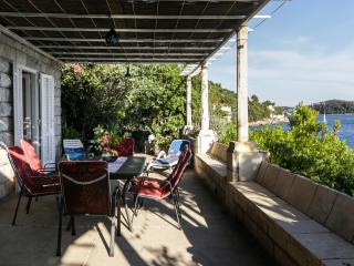 Holiday Home Old House - Two-Bedroom Holiday Home with Terrace and Sea View, Zaton