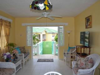 Barbados Vacation - Tropical 3 bedroom Apartment