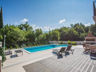 Villa Anita-Six Bedroom Villa with Private Pool, Gruda