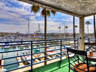 Harbor Views from Balcony! Steps to Beach, Community Pool/HotTub, Walk to Dining