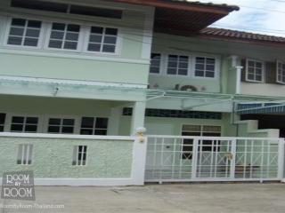 Townhouses for rent in Hua Hin: T0019