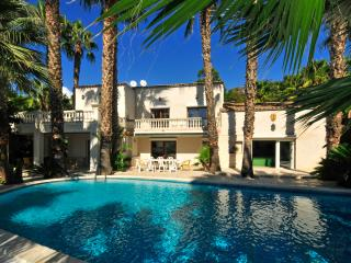 Biot Villa Sleeps 14 with Air Con and WiFi - 5238511