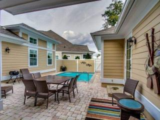 JUNE DISC!!PRIVATE HEATED POOL! N Beach Plantation Home 4BR4.5 BA.2.5 ACRE POOL