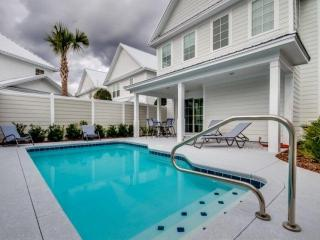 PRIVATE POOL 2.5 Acre Pool Complex,Swimupbar, Wifi, N Beach Plantation 3BR3.5BA