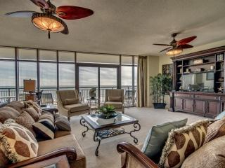 Beautiful 3rd Floor Oceanfront Condo in North Beach Plantation