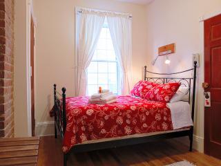 Traveller's Room (University Bed & Breakfast), Montreal
