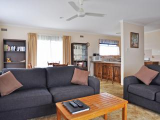 SWEET HOME ON DARLING - PETS WELCOME, Inverloch