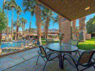 January Discounts! Beautiful 3 BR/3 BA Villa Ironwood CC -- East Facing Patio, Palm Desert