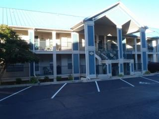 Tablerock Lake 2 Bedroom, ground floor condo just south of Branson., Hollister